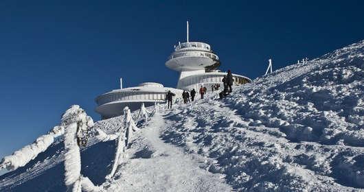 śnieżka turyści