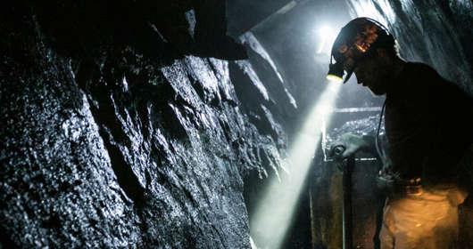 Wstrząs w kopalni nie żyje górnik