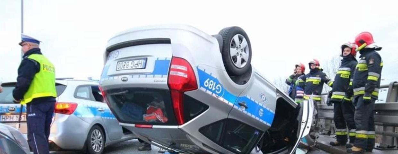 katowice cop dachował radiowóz