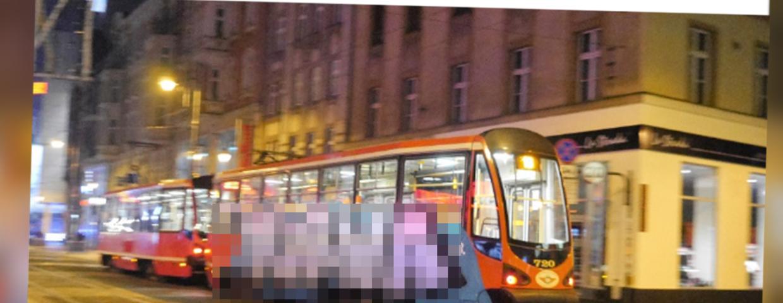 KAtowice - tramwaj nr 19 i rozkład bez zmiany, nawet gdy tramwaj pomalowany i z wulgaryzmem