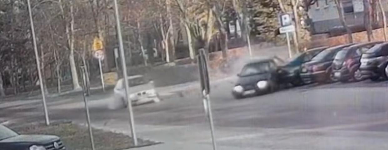 """Łomża, wypadek samochodowy podczas wyprzedzanie - zderzenie Audi i BMW - """"Sebixy"""" spowodowały wypadek samochodowy?"""