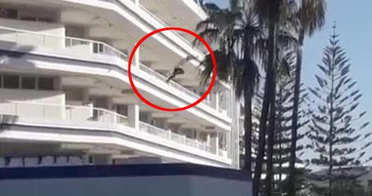 Urlop na Wyspach Kanaryjskich i skok z balkonu - brytyjski turysta zażył alkohol i narkotyki. Przeżył upadek z 4.piętra i trafił do szpitala.