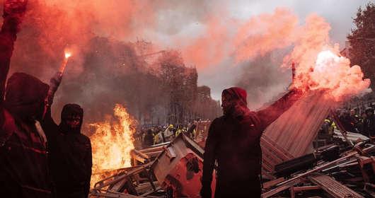Zamieszki w Paryżu, żółte kamizelki