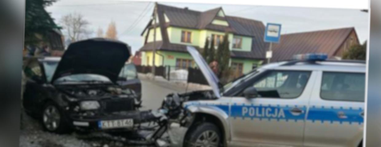 Sierockie koło Zębu (woj. małopolskie) - pijany kierowca senior i wypadek samochodowy. Potrącenie pieszego to poczatek rajdu. Uszkodził kilka samochodów