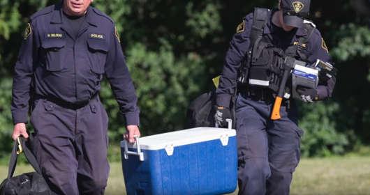 policja znalazła zwłoki w doniczkach