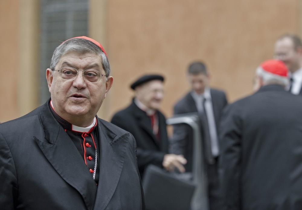 Abp Crescenzio Sepe udostępni nazwiska homoseksualnych księży.