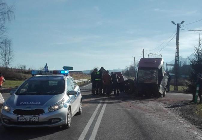 Do kolizji doszło w czwartek po godzinie 9 na drodze krajowej 49 prowadzącej od miejscowości Jurgów w kierunku granicy ze Słowacją.