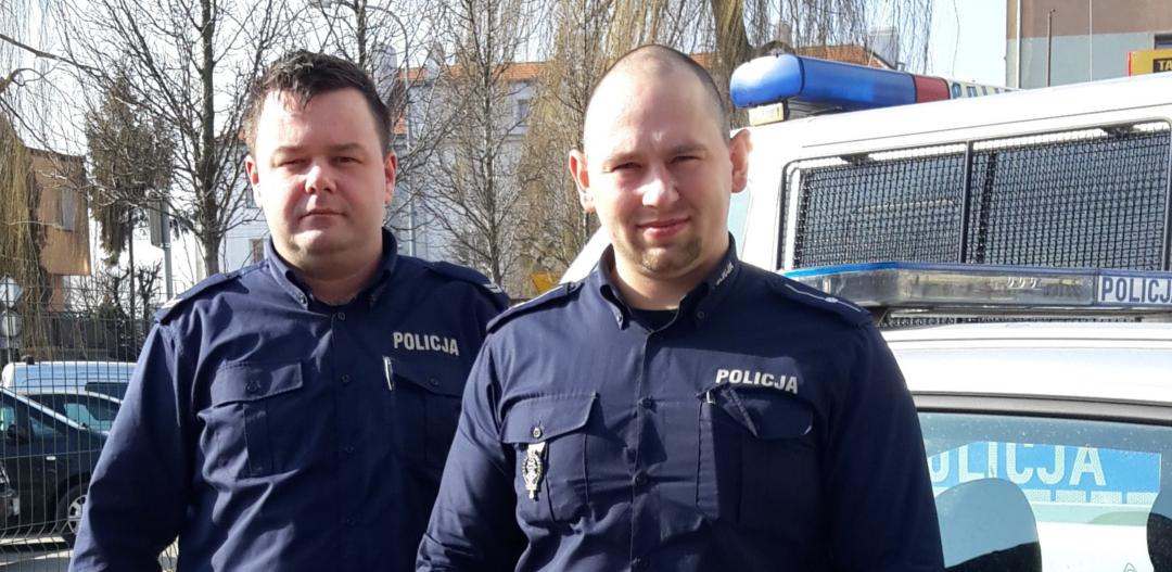 Policjanci uratowali dziecko