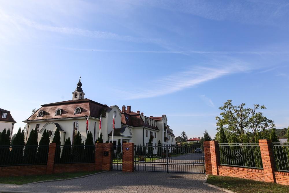 Puszczykowo - Towarzystwo Chrystusowe dla Polonii Zagranicznej i dom zakonny w Puszczykowie pod Poznaniem