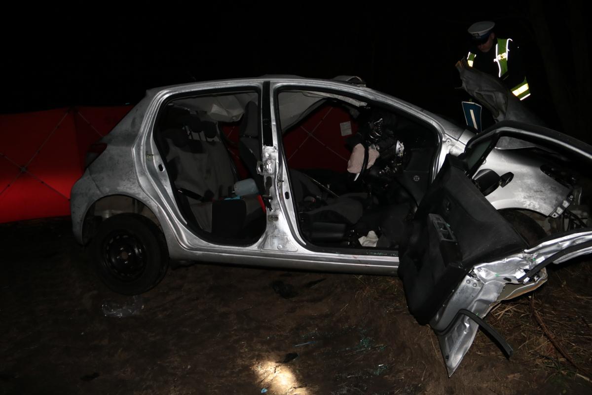 """""""Elka"""" zjechała na lewy pas i zderzyła się z ciężarówką."""