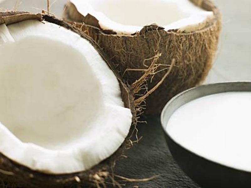 Ze sklepów zniknie masło orzechowe i mleko kokosowe